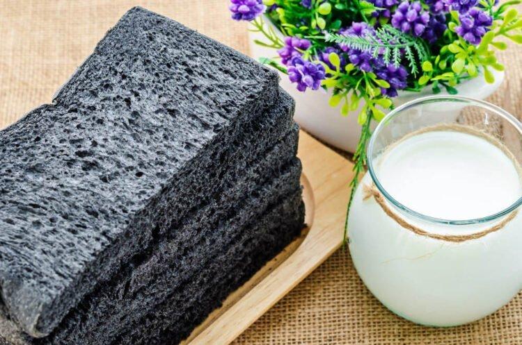 charbon végétal actif sous forme de brioche